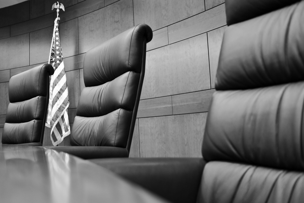 Black  White Justice  Where Judges Sit On The Iowa Court -3028