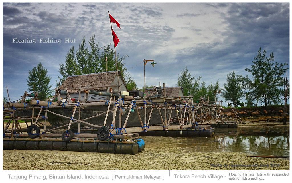 Floating fishing hut platform at low tide the fisherman for Floating fishing platform
