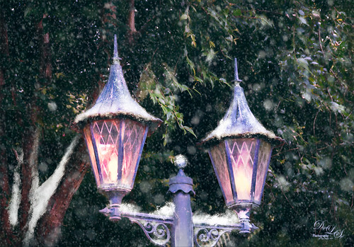 Image of a pair of lanterns from the Ghost House at the Magic Kingdom