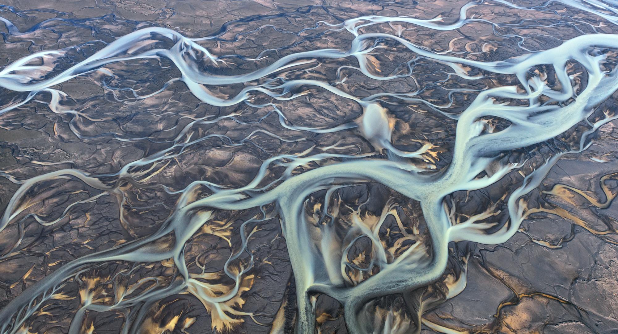 Rivers of Iceland 2000x1083 by Sergey Aleschenko
