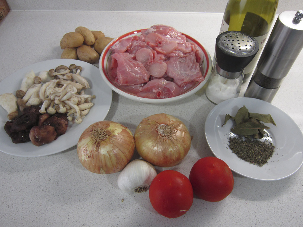 Conejo en salsa conejo guisado c mo preparar un for Cocinar un conejo