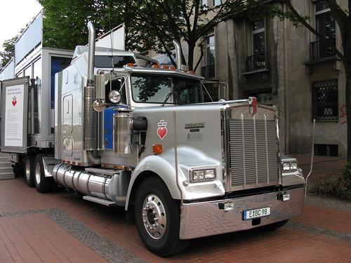 """truck"