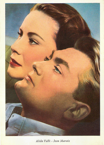 Jean Marais and Alida Valli in Les Miracles n'ont lieu qu'une fois (1951)