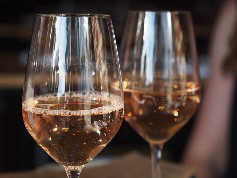 dry rosé wine