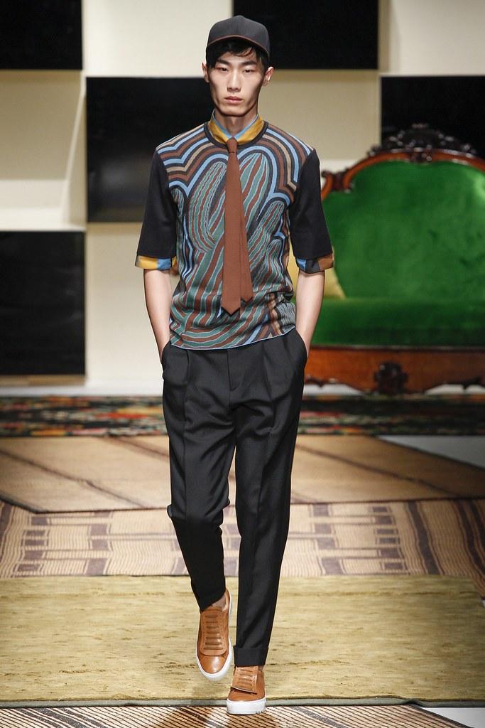 SS16 Milan Salvatore Ferragamo002_Yan Kai Wen(VOGUE)