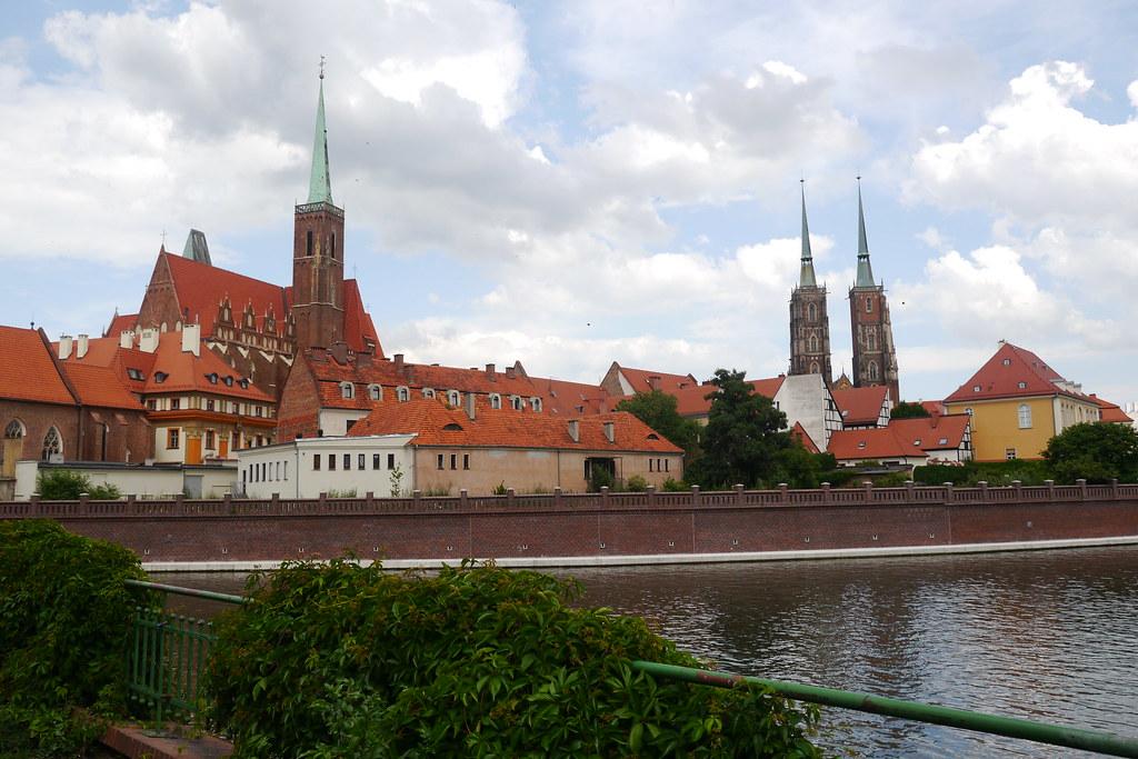 Barrio eclesiástico desde el puente de Wroclaw