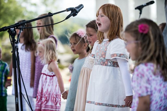– Syng lyst og sakte for å få med borna