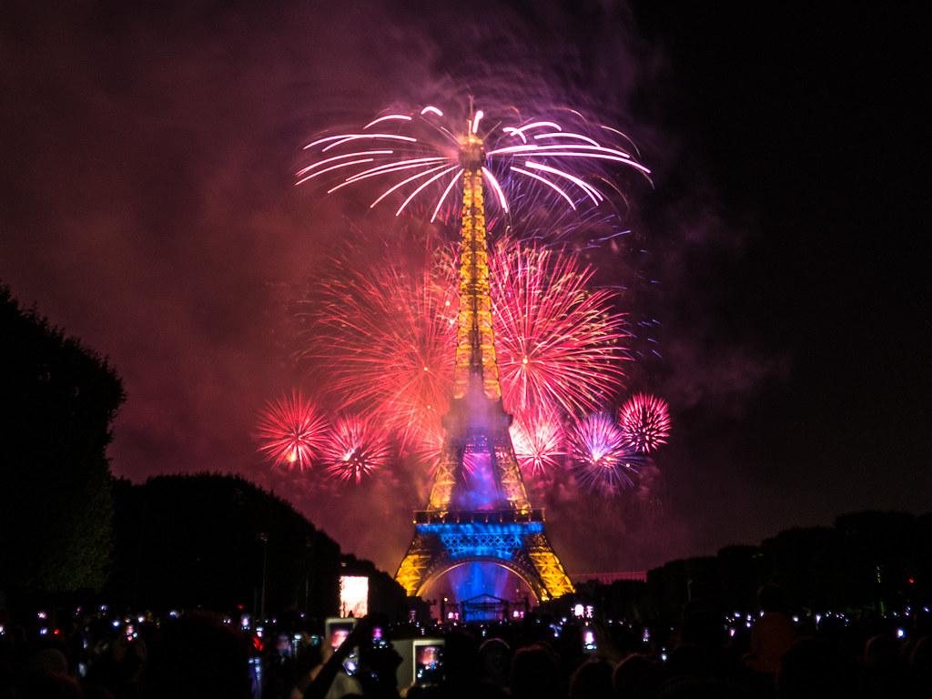 Emoticone Tour Eiffel