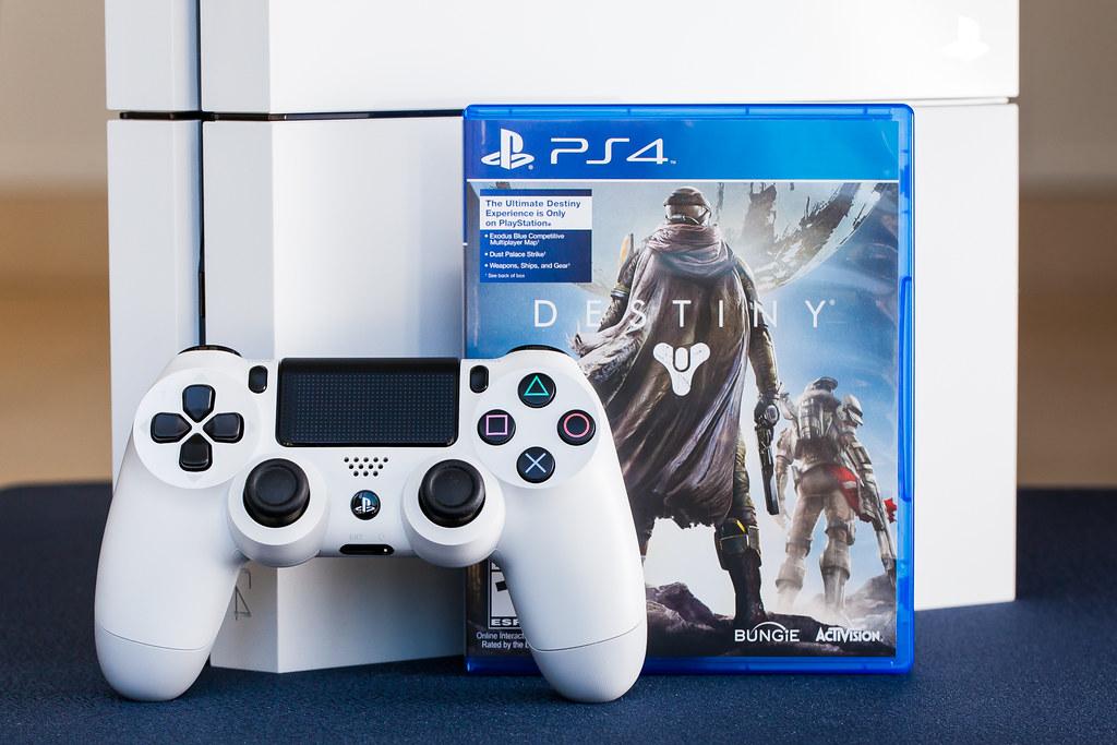 Destiny PlayStation 4 Bundle (Glacier White) | Destiny is ...