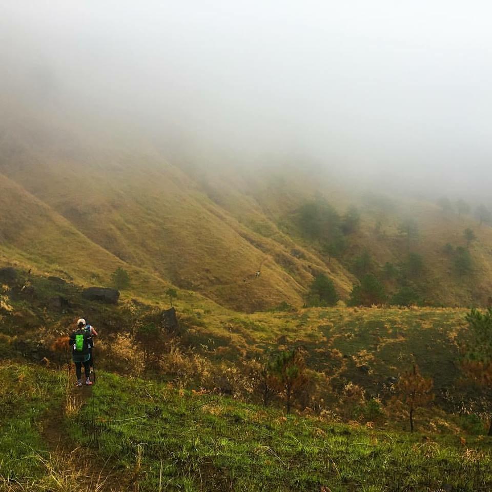 Running around the ridges of Mount Ugo - Photo by Jefferson Chua