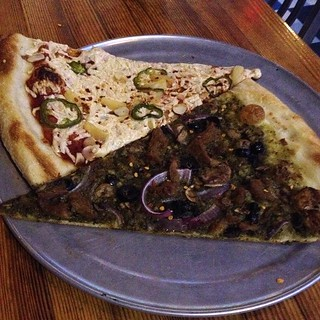 Vegan pizza at Sizzle Pie in PDX