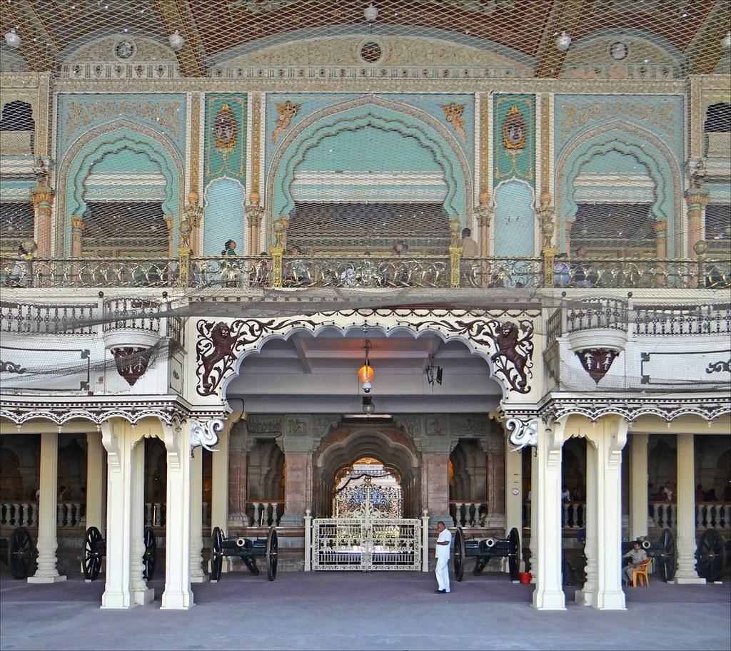 Le palais du maharaja mysore inde l 39 entr e du palais for Architecte 3d wikipedia