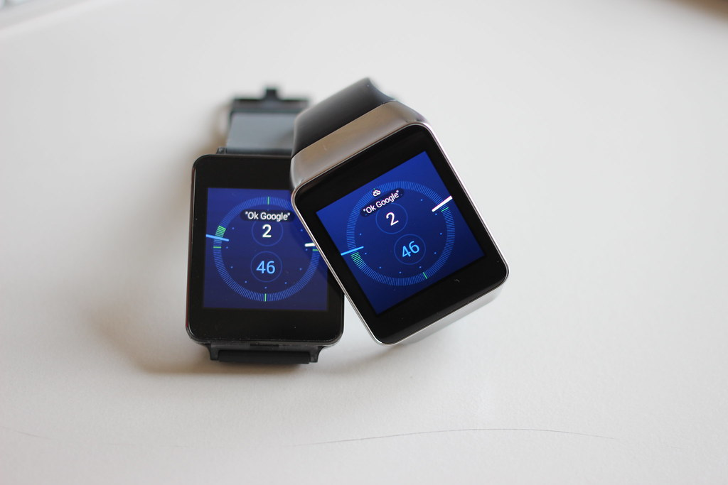 Android Wear Smartwatch Lg G Watch And Samsung Gear Live