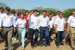 Ministro Rojas recorre terminal aéreo de Carmen de Bolívar