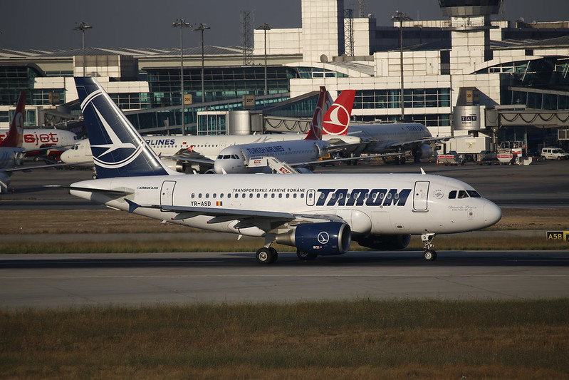 TAROM A318 in Istanbul