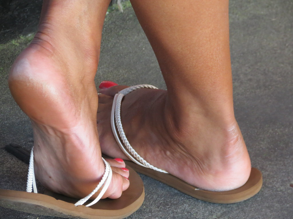 Candid Beach Feet  Rayray150  Flickr-9443