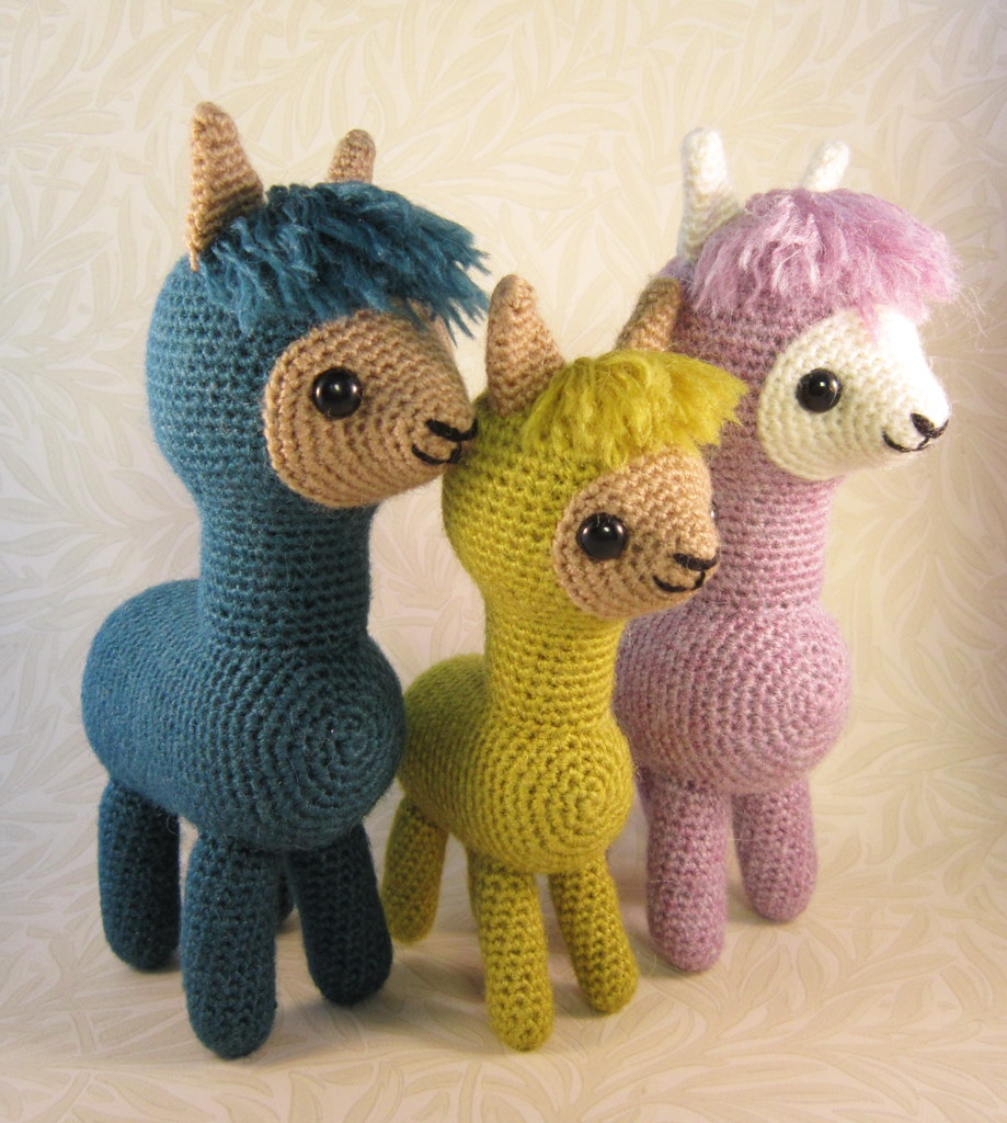Alpaca Amigurumi Crochet Patterns : Alpaca Family Amigurumi Pattern This pattern to make two ...