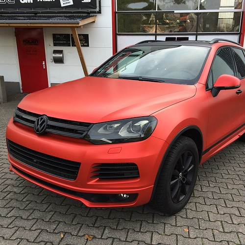 vw touareg foiled in matt anodized red by pwf. Black Bedroom Furniture Sets. Home Design Ideas