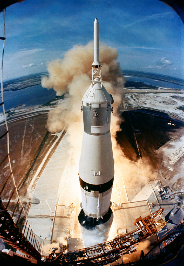 apollo space flights launched - photo #19