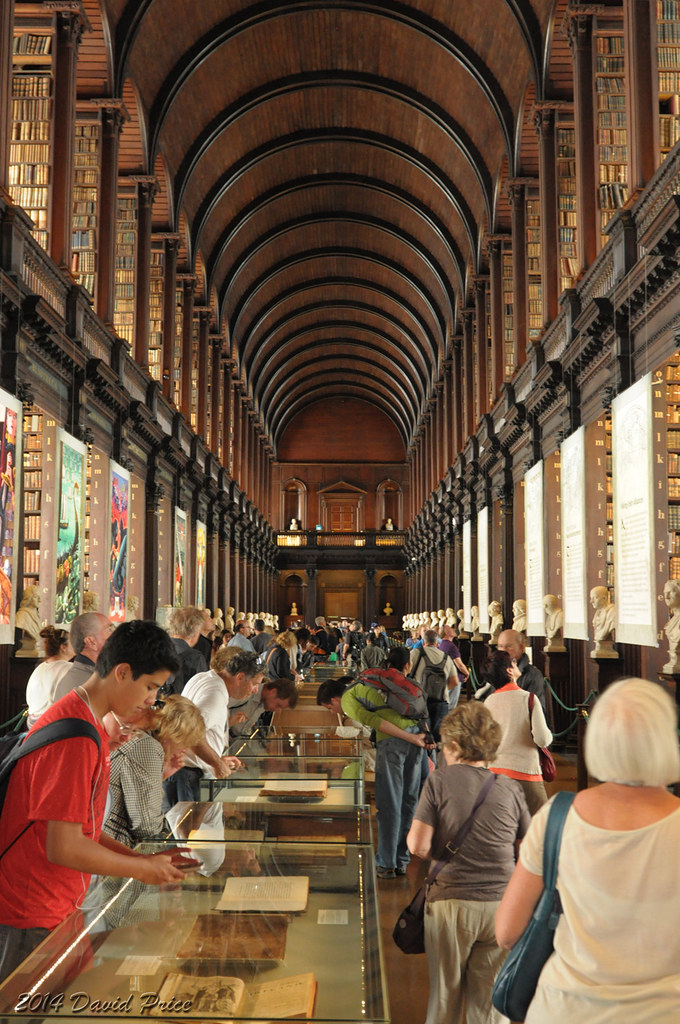 Long Foyer University : Dsc a trinity college long hall library in dublin