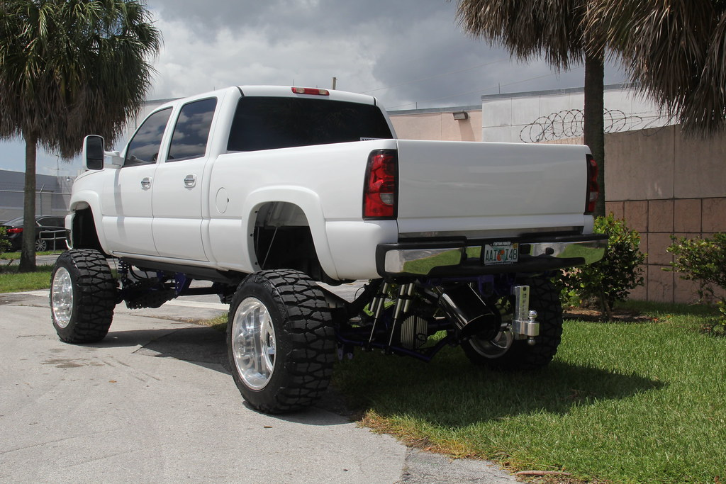 White chevy truck 2014