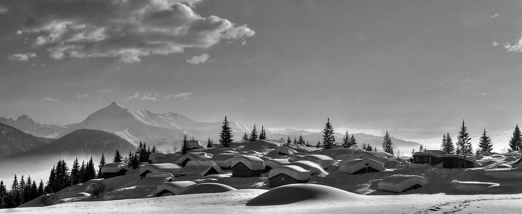 1 les chalets d 39 ay res petit village de montagne sous la flickr. Black Bedroom Furniture Sets. Home Design Ideas