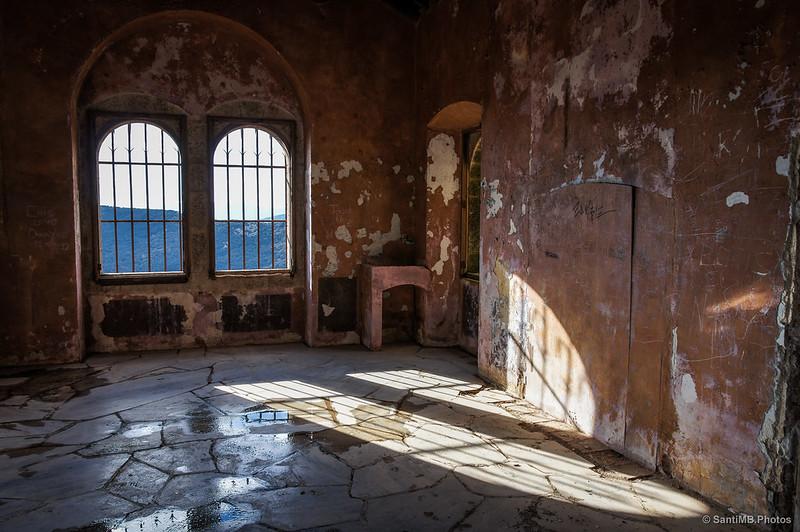 Sala principal del Castillo de Requesens