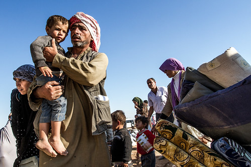 Kurs from Kobane are fleeing to Turkey
