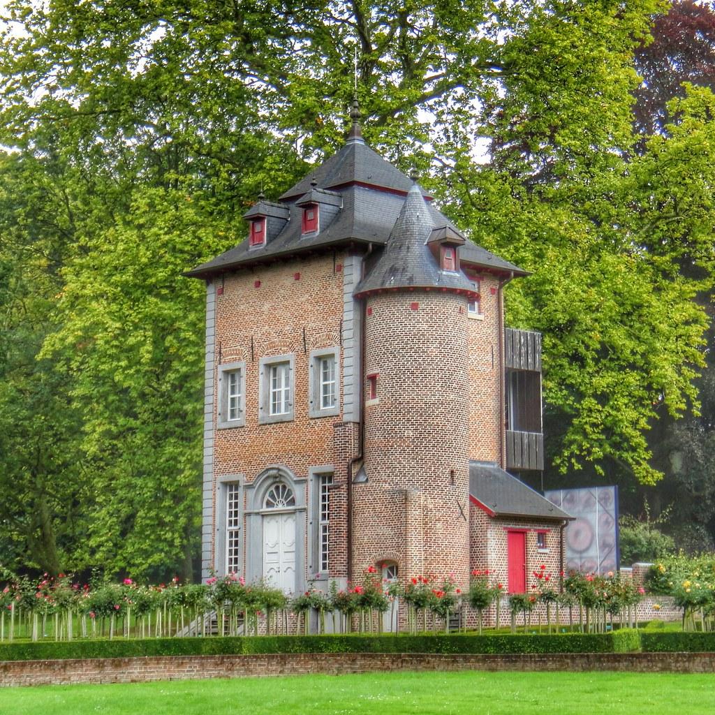 Dsm Keukens St Pieters Leeuw : Belgium, near Brussels Coloma Rose Garden St Pieters