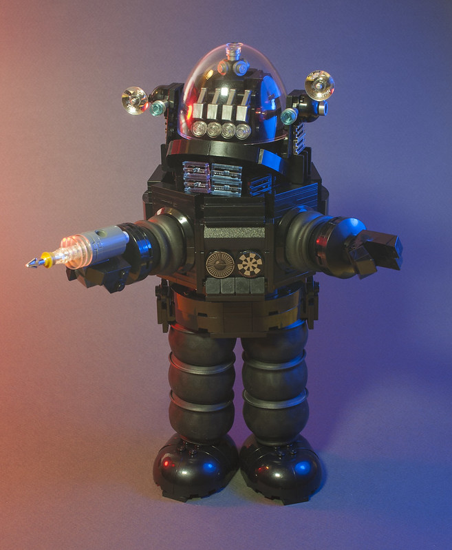 Sci-fi Legend 'Robby the Robot' Stunningly Recreated in LEGO