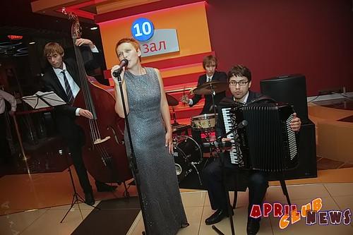 «Песни старого Парижа» в исполнении ансамбля «Бельвиль»
