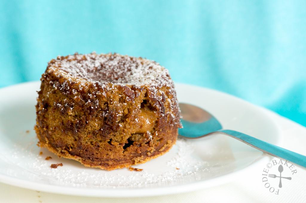 Molten Coffee-Vanilla Cake