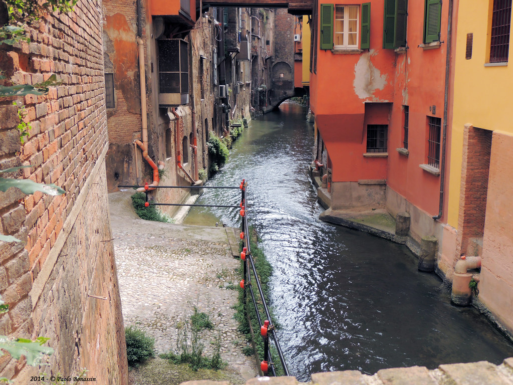 Canale di reno canale delle moline in bologna via malcont for Canale camera dei deputati
