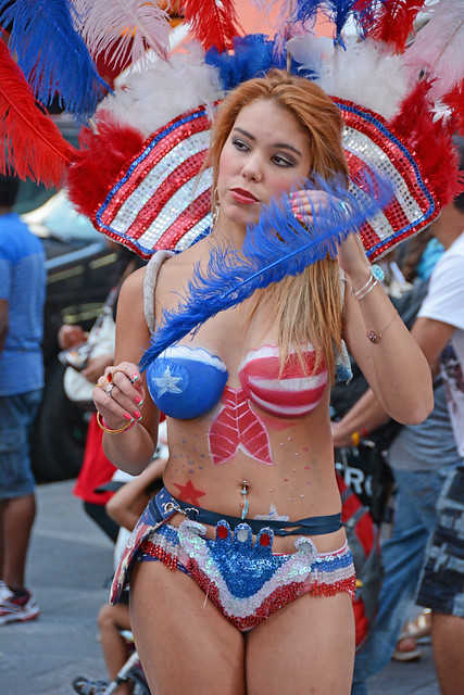 Women In Times Square In Nyc Wearing Only Body Paint -6587