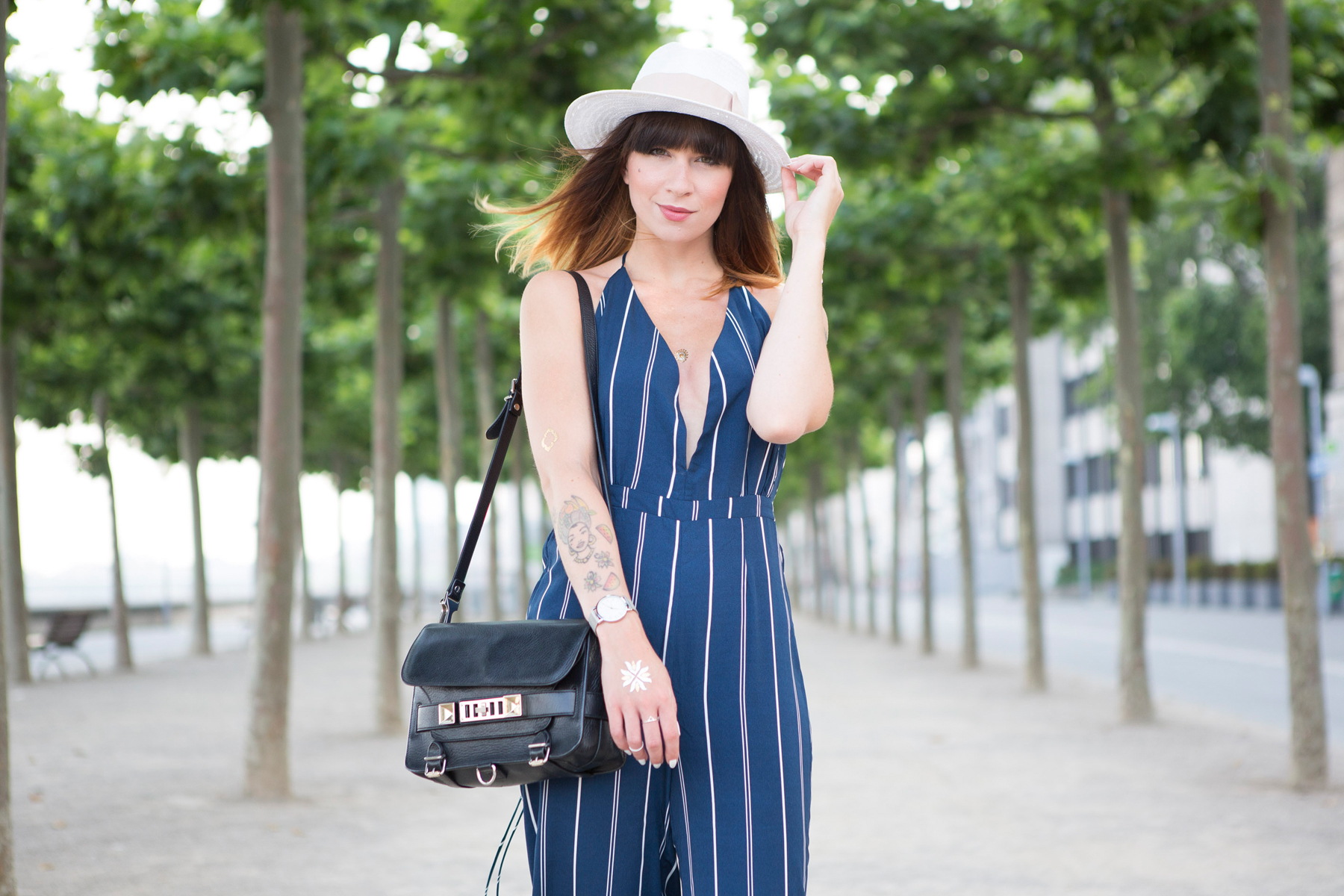 forever 21 jumpsuit overall streifen blue hat summer ombre cats & dogs ricarda schernus blogger berlin 3