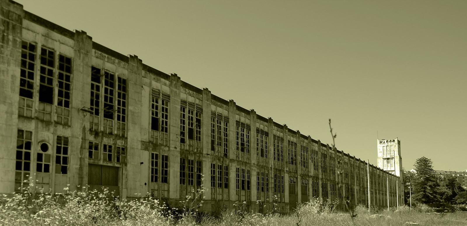Fabrica abandonada de Massó en Cangas