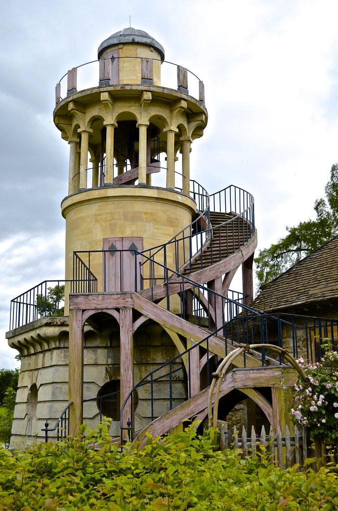 Observation tower marie antoinette 39 s play farm hamlet for Farmhouse tower