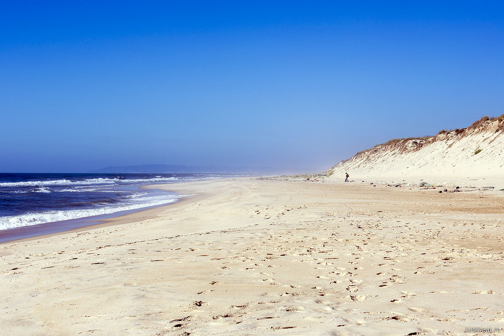 Nous sommes un 15 août. C'est ça, une plage déserte.