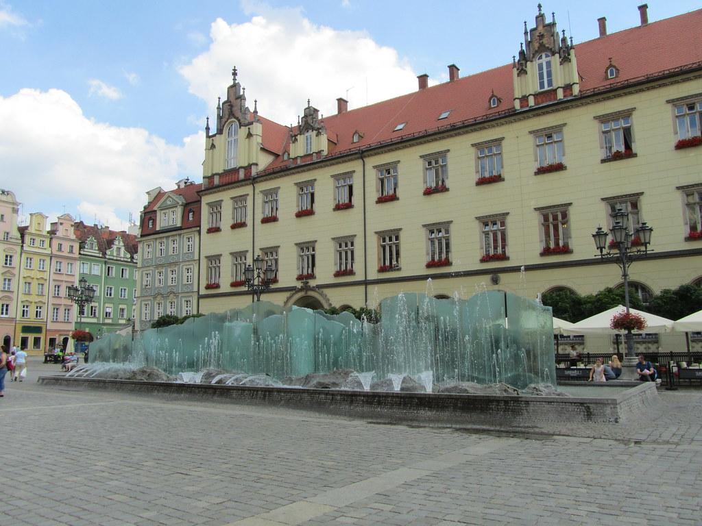 Fuente en la Plaza Mayor de Breslavia