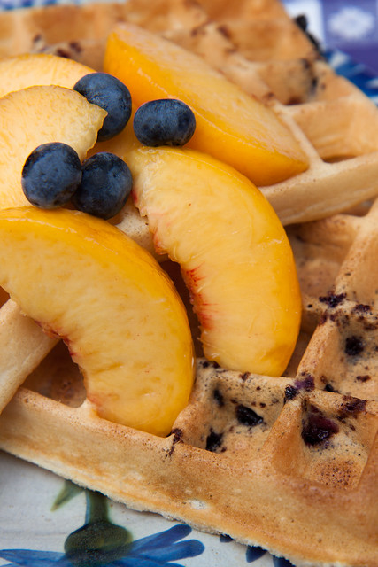 Blueberry waffles with peaches