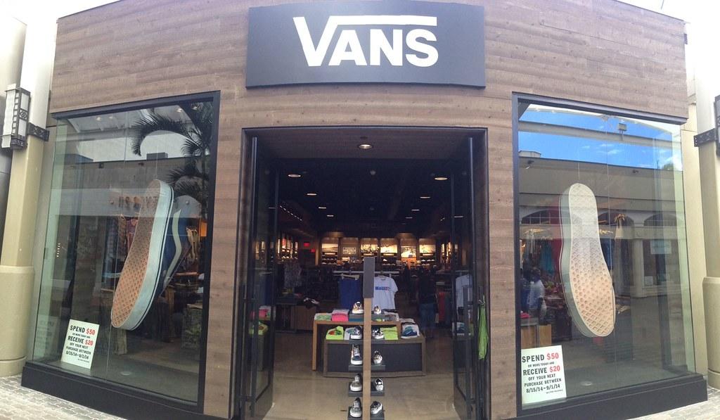 vans queens center