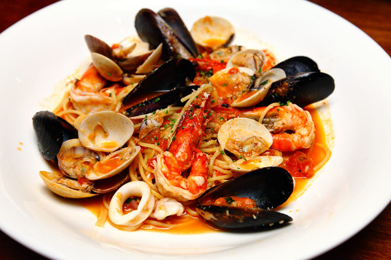 Spaghettini-Pomodoro-Seafood