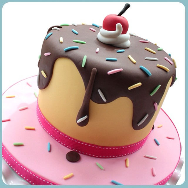 Free Cake Decorating Ideas For Beginners : Learn how to make this... http://www.scrumptiousbunscakesc ...