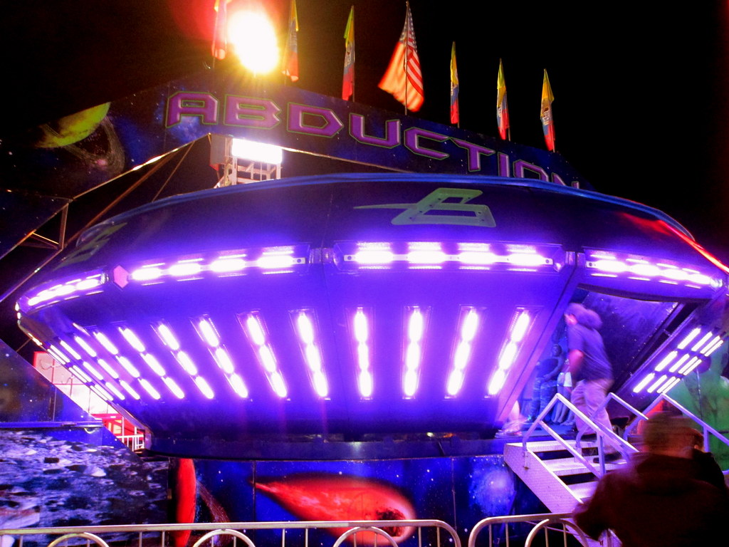 alien abduction ride - photo #28