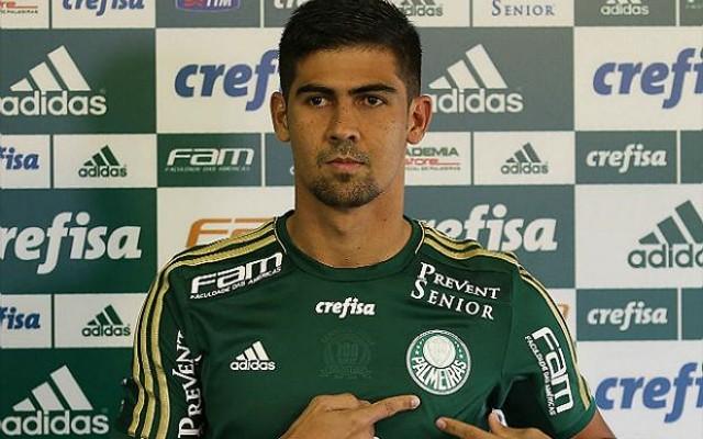Prass diz que Leandro Almeida est� triste e sai em defesa do zagueiro