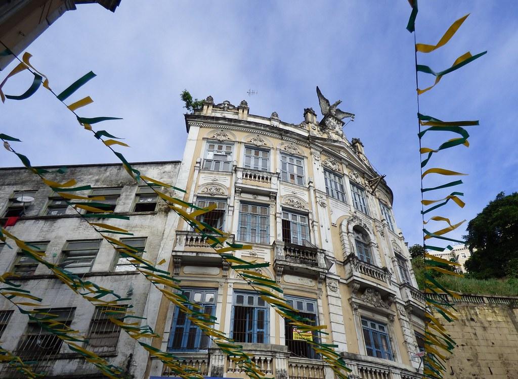Ville basse salvador bahia brasil avec drapeaux ou for Basse goulaine piscine