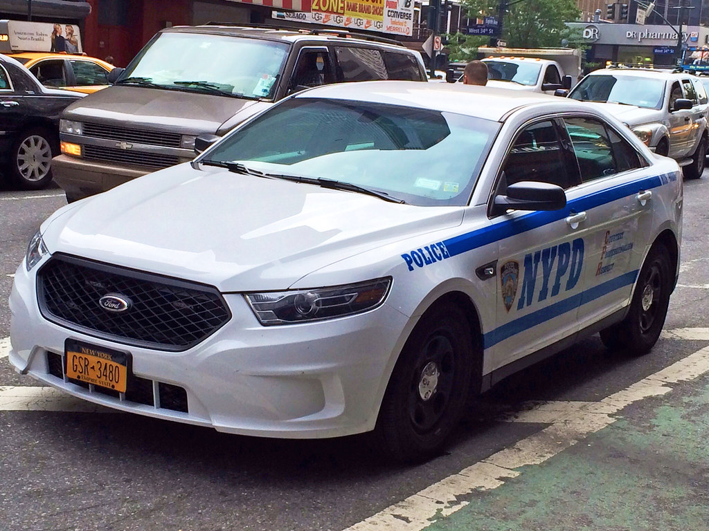 picture of nypd 2014 ford taurus police interceptor car. Black Bedroom Furniture Sets. Home Design Ideas