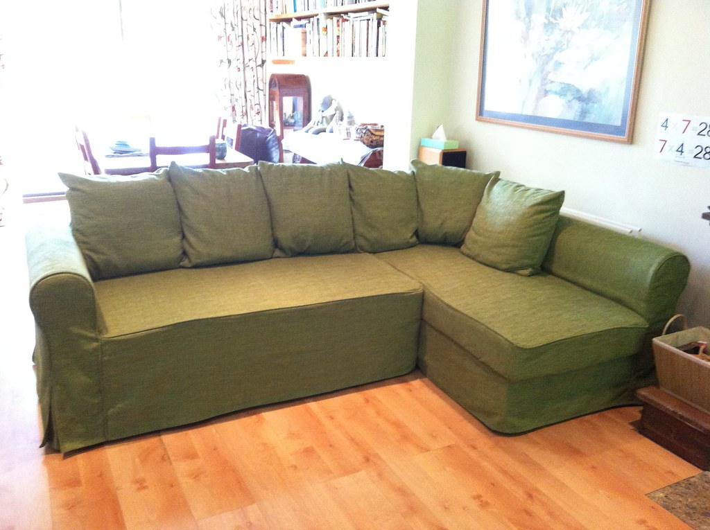 avalon power reclining sofa with console