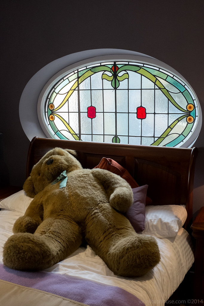 Ted R Full Size Bed