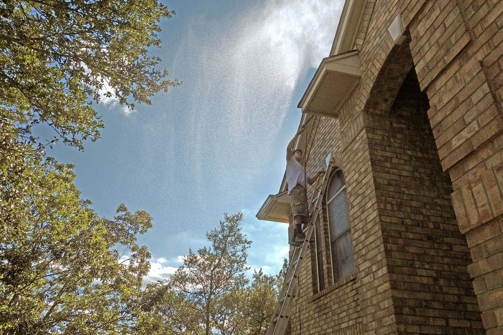House exterior painting 021 pressure cleaning spray - Spray painting house exterior pict ...